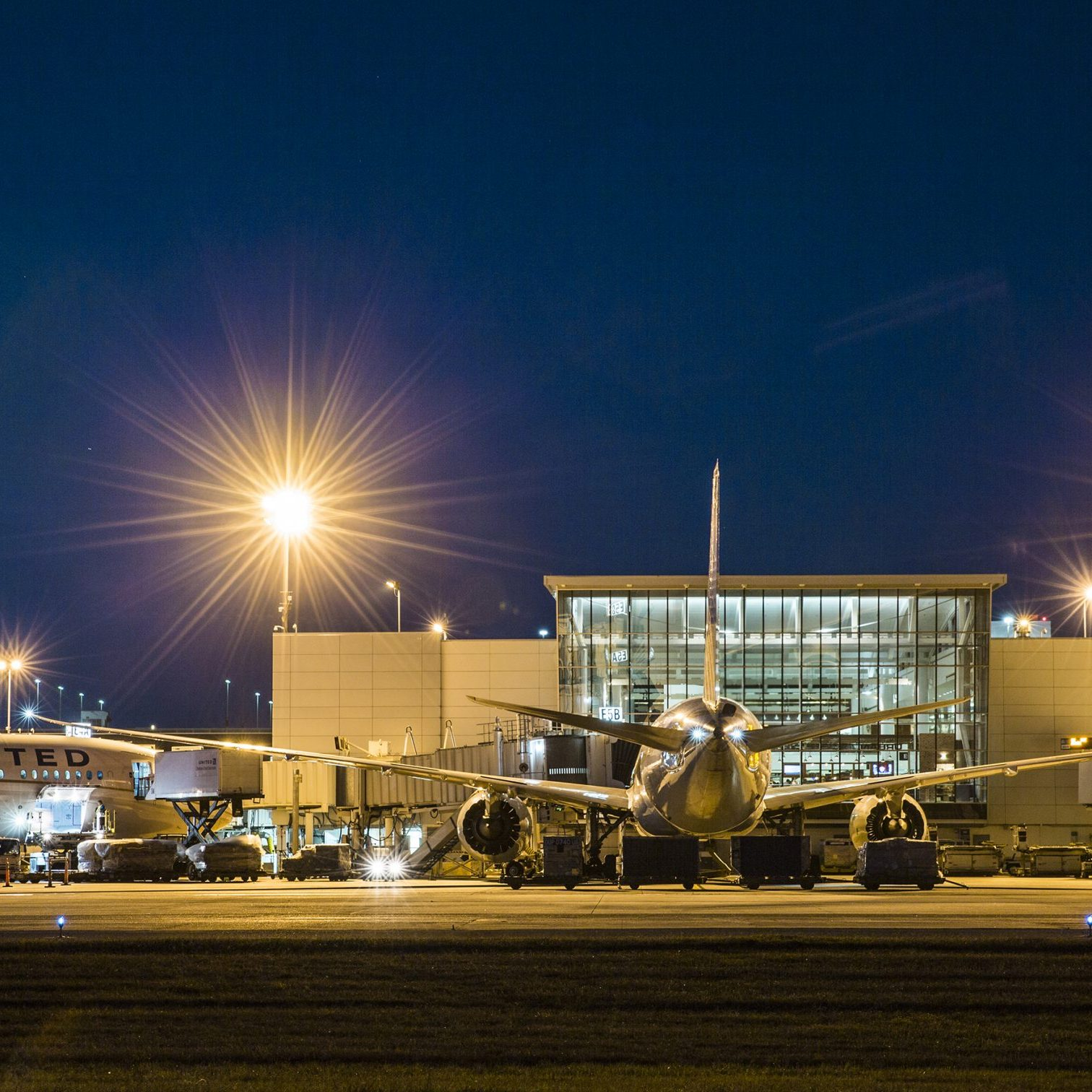0671_160303_airports-ds